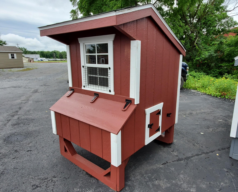 04' X 04' Duratemp Chicken Coop : Image 1