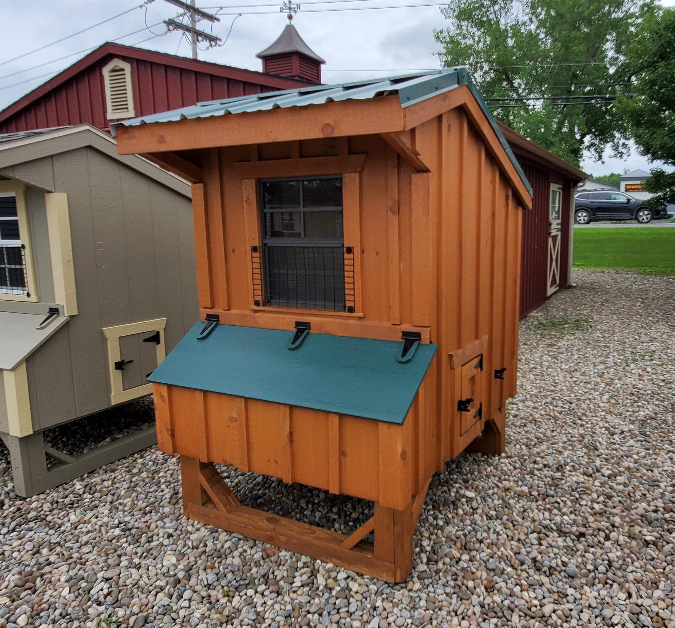 04' X 04' Duratemp Chicken Coop : Image 2